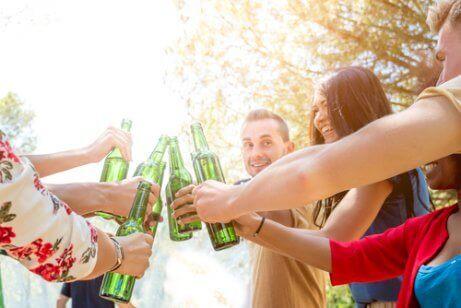 Tror du at tenåringen din drikker alkohol?