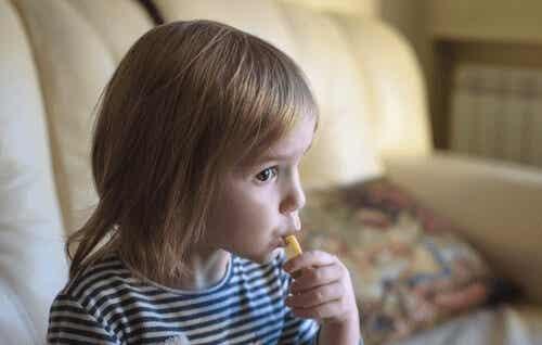 Alt du trenger å vite om pica hos barn