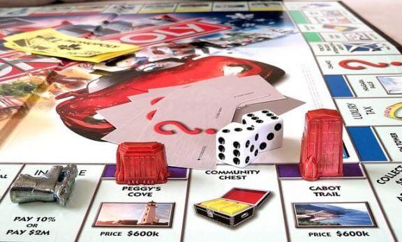 Monopol er et morsomt bidrag for finansiell utdanning for barn.