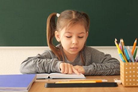 Fonologisk bevissthet er viktig for utviklingen av ferdigheter.