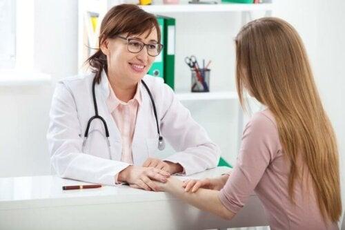 Når burde du begynne å gå til gynekolog?