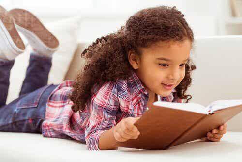Fordelene med høytlesning sammen med barna
