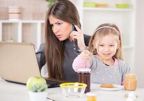 4 tips for å finne balansen mellom jobb og familie