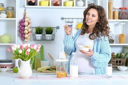 Er det trygt å følge et vegetarisk kosthold under graviditet?