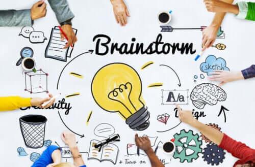 Fordelene med idémyldring for gruppearbeid