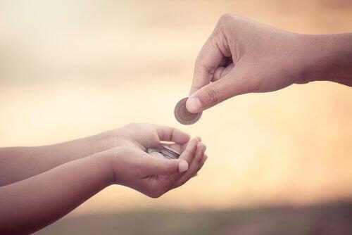 Gi barn ukelønn: Fordeler og ulemper