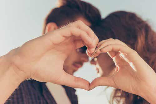 Syv gode fordeler ved å gifte seg ung