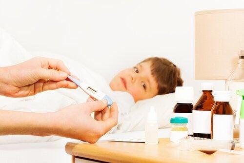 Fem tips for å senke feber hos et barn