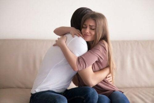 Hvordan hjelpe barn med separerte foreldre