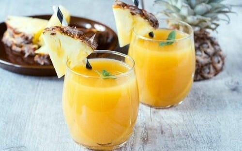 Juice av ananas