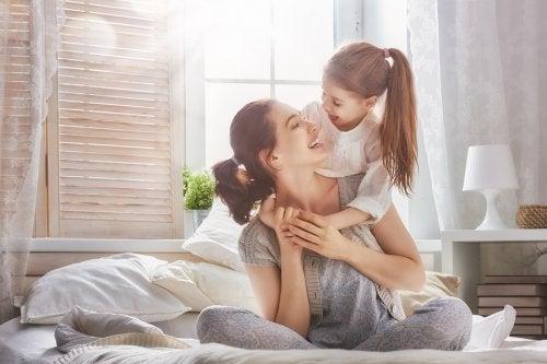 Forholdet mellom mødre og døtre trenger pleie fra tidlig alder.