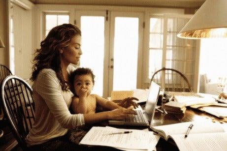 7 tips om hvordan du kan jobbe hjemmefra når du har barn