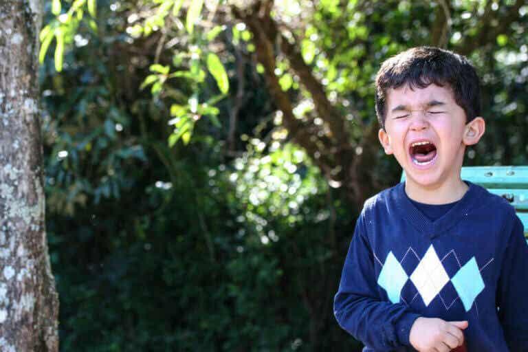 Tegn på at barnet ditt er i ferd med å få et raserianfall