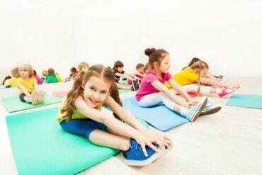 Måter å forbedre barns fleksibilitet på