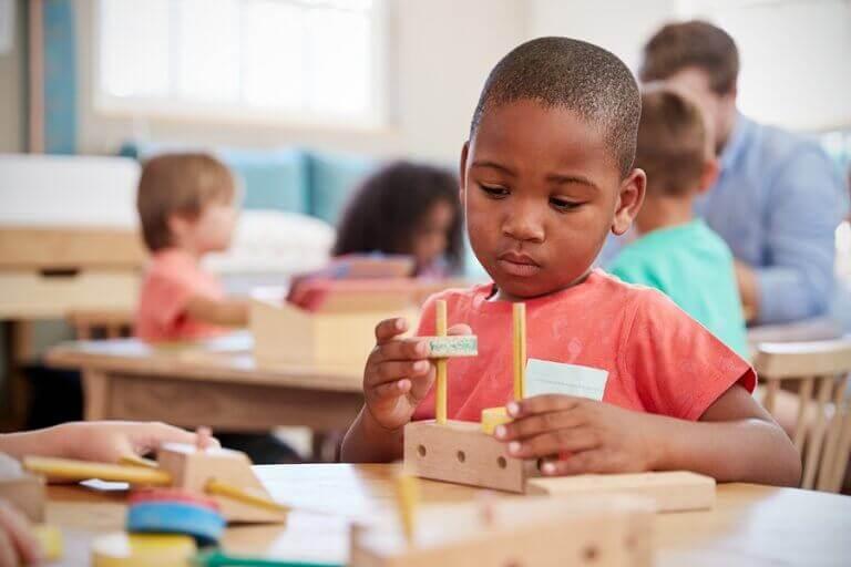 Hvorfor strategispill er så gunstig for barn