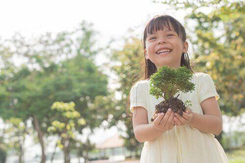 Å dyrke et frukttre fra frø med barna dine