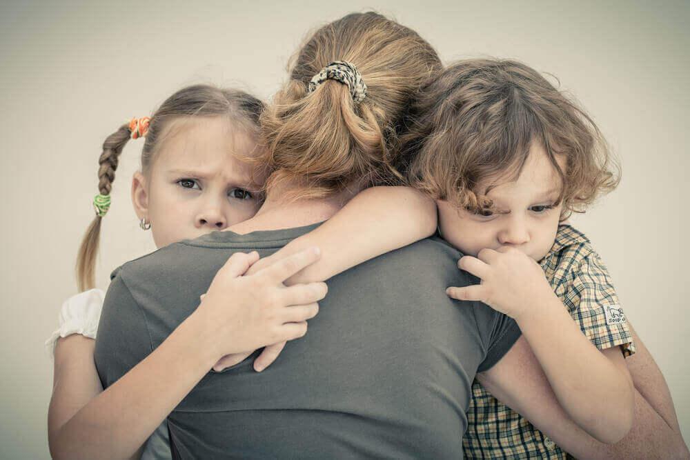 Hvordan forhindre angsten din fra å påvirke barna dine