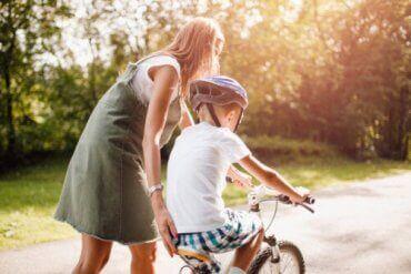 12 sitater som oppmuntrer til positiv atferd hos barn