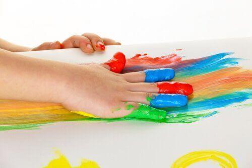 Fjerne maling fra møbler: 4 nyttige triks