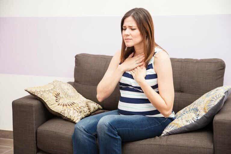 Hvordan lindre halsbrann under graviditeten