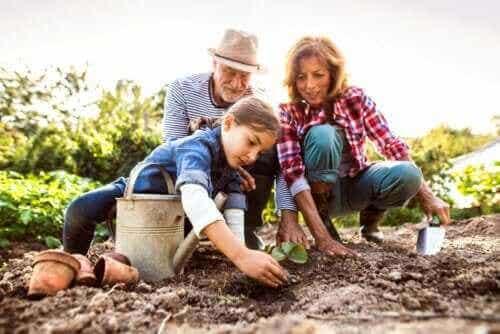 4 måter å hjelpe barn å huske besteforeldrene sine på