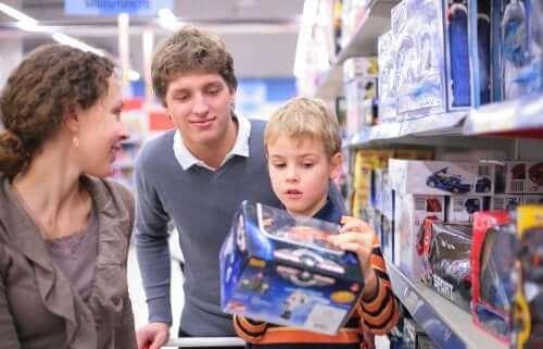 Nøkler for å unngå kompulsiv konsumerisme hos barn
