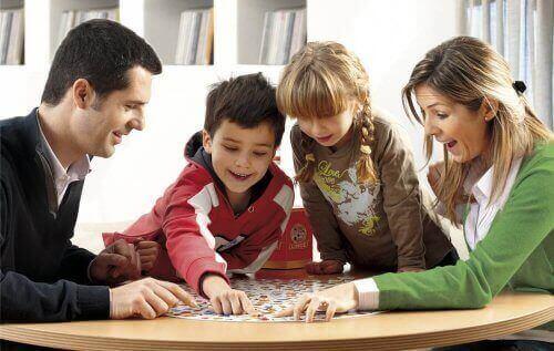 5 brettspill for å forbedre oppmerksomheten