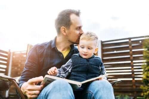 4 måter å stimulere til lesing hjemme