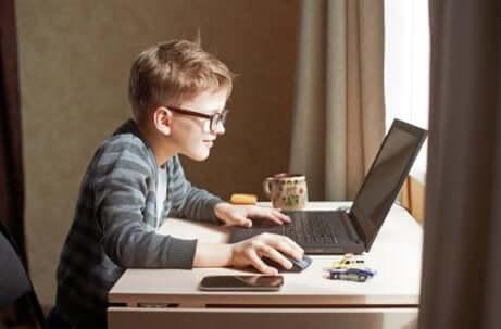 5 ideer for å lage et studierom for barna dine