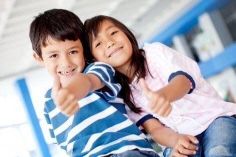 6 personlige styrker for å hjelpe barna dine med å utvikle seg