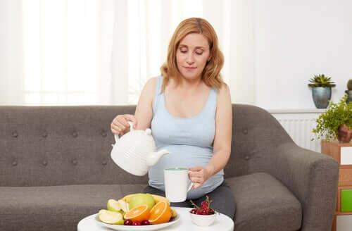 Å håndtere halsbrann og fordøyelsesbesvær under graviditet