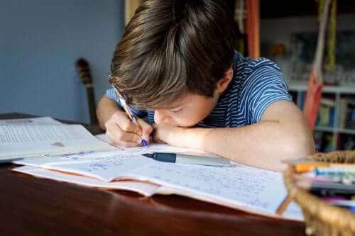 Pomodoro-teknikken for å optimalisere tiden brukt på skolearbeid