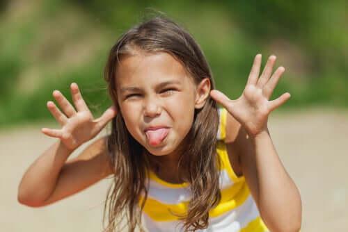 Lær barnet ditt å ikke gjøre narr av andre