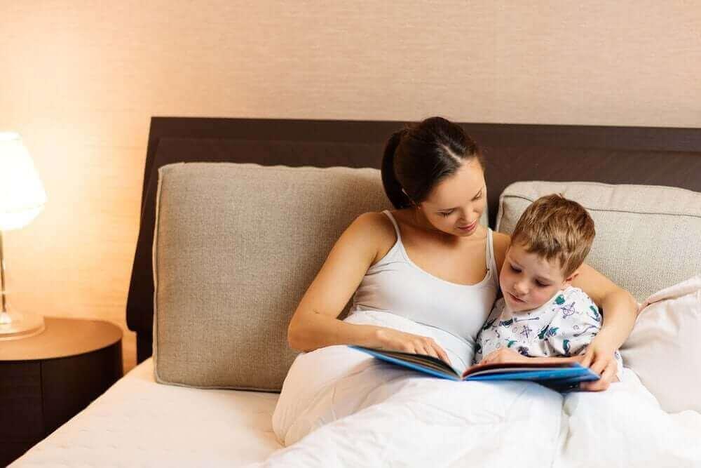 Hvordan introdusere barn for lesing