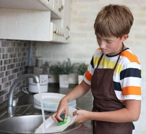 Hvordan sette tidsfrister for pliktene til barna dine