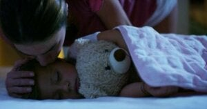 Fordelene med læring under søvn for barna dine