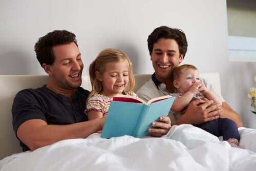 En aktivitet for å fremme lesing hos barn: 12 måneder, 12 karakterer