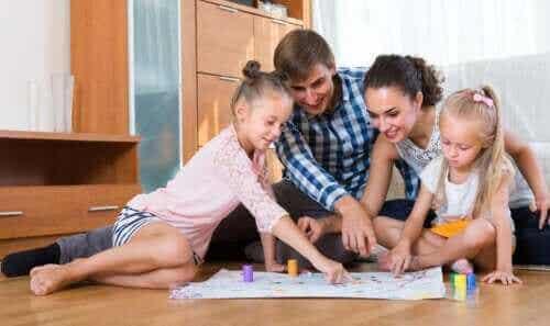 6 flotte penn- og papirspill å spille som en familie