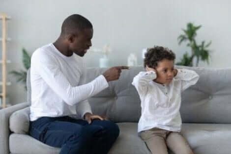 9 alternativer for å unngå å kjefte på barnet ditt