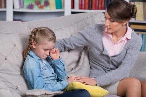 9 alternativer for å unngå å kjefte på barna dine