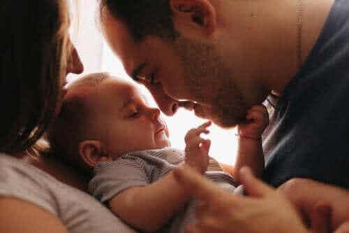 5 måter å skape et bånd med babyen din på