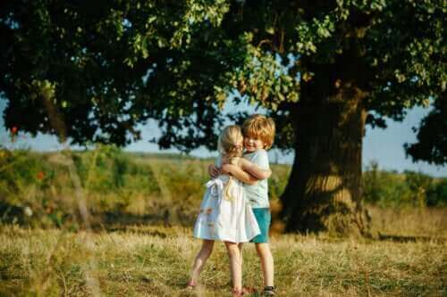 Hva er symbolsk tenkning hos barn?