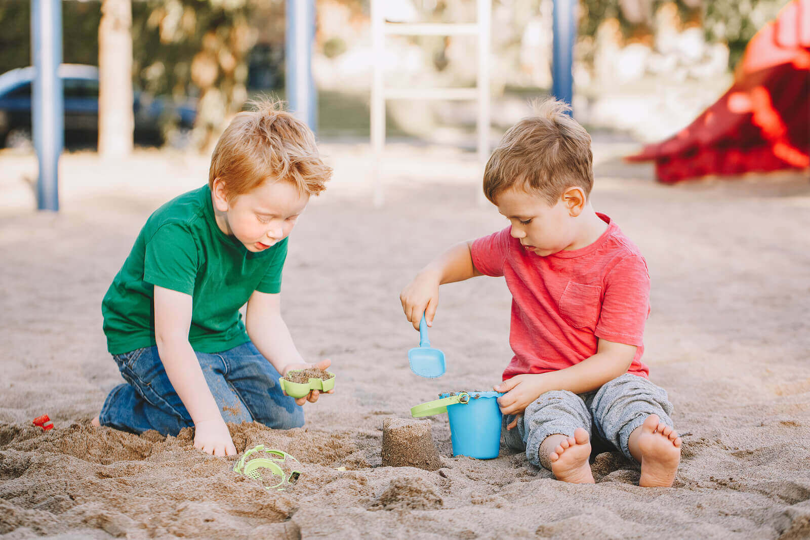 De forskjellige teoriene som forklarer sosial utvikling