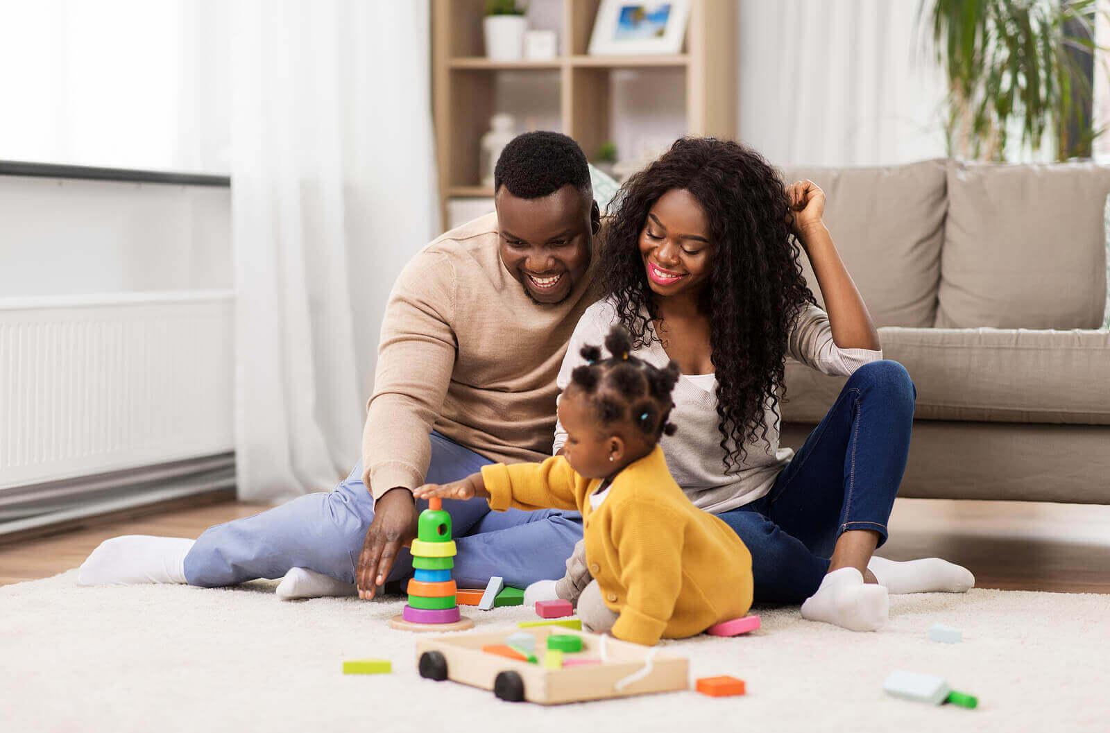 Lykkelige foreldre, lykkelige barn: Den grunnleggende regelen for morskap