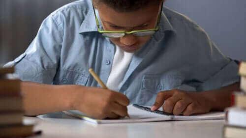 Dysleksi hos barn: symptomer, årsaker og behandling