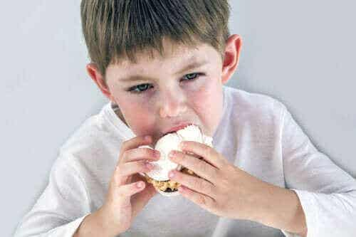 Emosjonell sult hos barn: Hva du bør vite