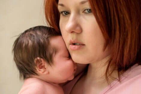 Fødselsangst i løpet av de første månedene av babyens liv