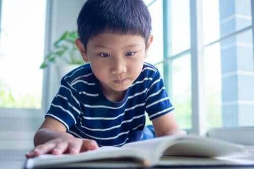 Lær barn å organisere leksetiden sin