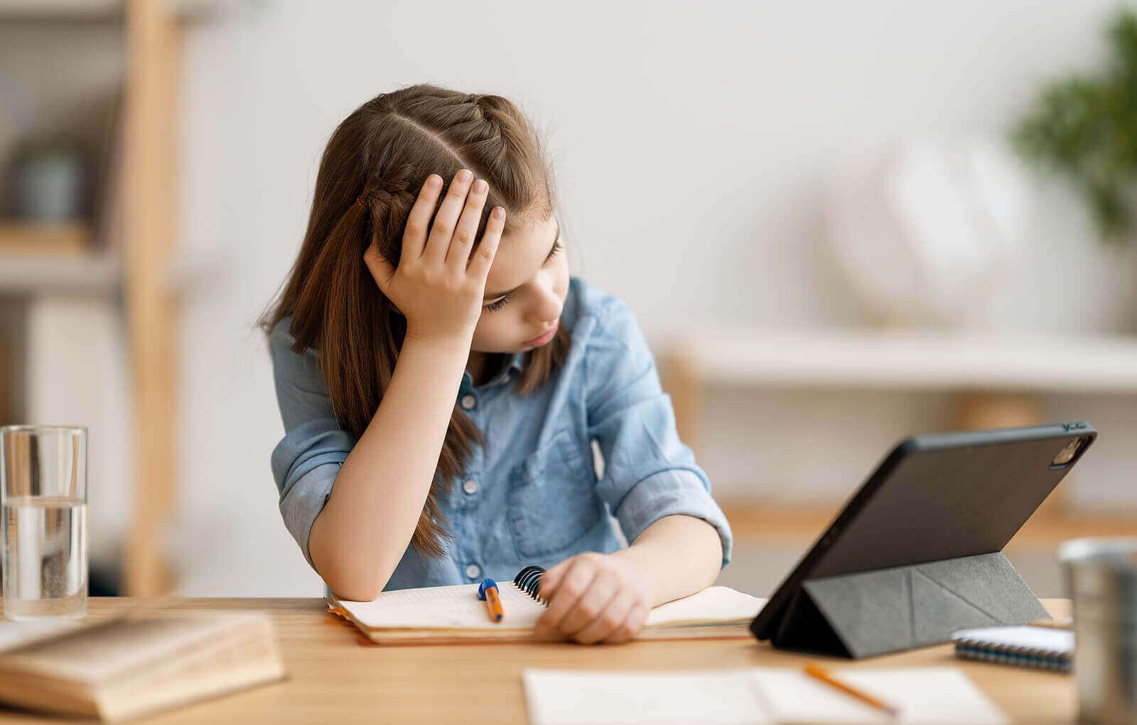 Hva du skal gjøre når barn nekter å gjøre lekser
