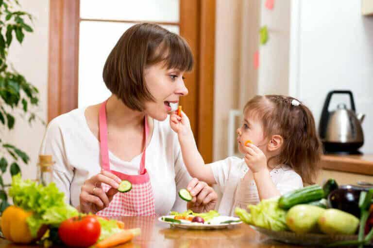 Ideer for å få barna til å spise grønnsaker